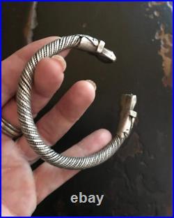 (B) Antique Silver Bracelet Cuff Yemen Solid Bedouin Middle Eastern